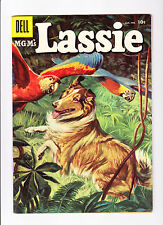 Lassie  32    Lassie and some Parrots on Cover