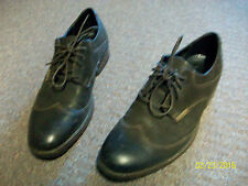Clarks Brown Leather Men's Oxford Shoes For Casual Or Dress Wear Size 8.5