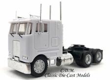 Peterbilt COE 3 Axle Tractor White w/Tilting Cab HO 1/87 Herpa/Promotex 15246