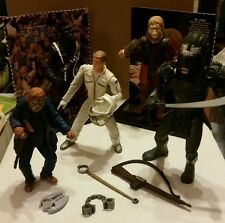 LOT OF 5 PLANET OF THE APES 2001 ACTION FIGURES, ACCESSORIES, DISPLAY STANDS, ET