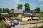 11374 Auhagen HO Kit of a Rural parts depot - NEW