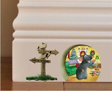 SKIRTING BOARD WALL MOUSE HOLE AND SIGN ART STICKER 90mm x 80mm
