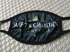 Moet & Chandon Mund-Nasen- Schutz nie getragen