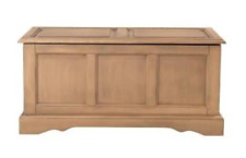 NWT Home Decorators Collection Cameron Bench & Blanket Chest (Retail $269)