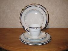 WINTERLING BAVARIA *NEW* HERITAGE BLEU Set 4 assiettes + 1 tasse à thé a/souc.