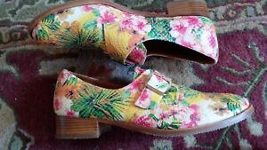 CHIE MIHARA Multicolor Floral Textured Leather Flat Shoes Size 39 M EUC