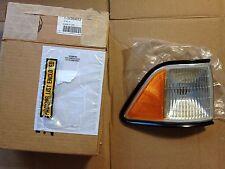 NEW OEM -- Mopar 04399612 4399612 Passenger Side Marker Lamp --- 1990-91 LeBaron