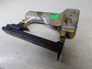 Bostitch Pneumatic Staple Gun Air Stapler 1122171 FOR PARTS OR REPAIR *FREE SHIP