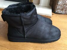 Ladies Black Short Ugg Boots Size 7.5