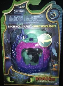 How to train your dragon 3: The Hidden World Playset With Light Lair Toothless