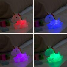 Quitamiedos infantil Luz LED Multicolor diseño unicornio 14x13x6cm,+3 años,pilas
