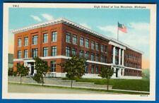 High School At Iron Mountain, Michigan - Linen PC