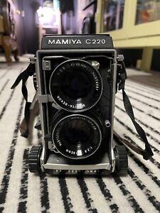 Mamiya C220 TLR Medium Format Camera with Blue Dot 80mm Sekor Lens TESTED