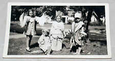 VINTAGE 1940S PHOTOGRAPH GROUP OF YOUNG CHILDREN IN COSTUMES HALLOWEEN PRINCESS