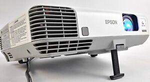 Epson PowerLite 915w Projector H388A WXGA HDMI 3LCD 1080i 3200 Lumens 1044 Hours