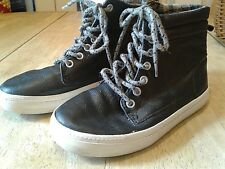OLD NAVY BLACK LACE-UP HIGH-TOP SPORT/HIKING/OUTDOOR BOOTS/SHOES-BOYS SIZE 13
