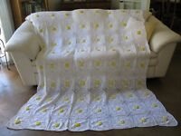 Vintage Crochet White Yellow 3D Floral Rosette Queen Full Twin Bedspread 86x68