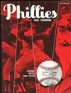 1965 Philadelphia Phillies Baseball Yearbook EX