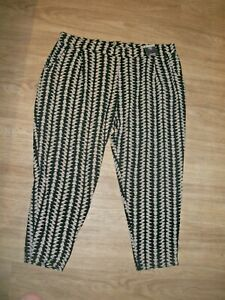 M&S SIZE16 medium BLACK & IVORY PULL ON TROUSERS STRETCH SO SLIMMING TAPERED LEG