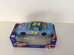 NASCAR 1/24 Diecast, Jeff Gordon 2000 Dupont/Snoopy Chevy Monte Carlo