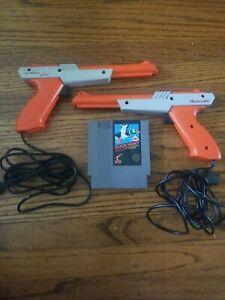 Nintendo NES Duck Hunt with 2x Zapper Gun + Game Bundle super mario bros