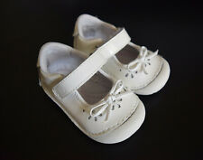Stride Rite Jane White Patent Leather Eyelet Pattern Walking Shoes Size 3.5 (4M)