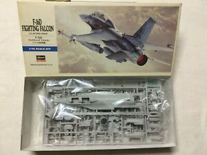 1/72 HASEGAWA 00445 D15 : CHASSEUR F-16D FIGHTING FALCON PACAF TFW 432/58 LUKE