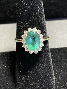 2.13 Ct Natural Emerald Ring Surrounded By 14 Natural Diamonds 18k Yellow Gold 7