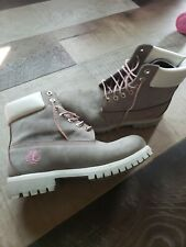 """Pre-Owned Timberland Vintage Style# 30043 Grey/Pink 6"""" Boots! Size 7.5M"""