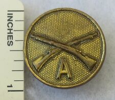 INFANTRY Company A - ORIGINAL Vintage WW1 TYPE II GILT US ARMY EM COLLAR DISK