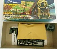 HO scale Athearn  2  highway   Tractors Undecorated