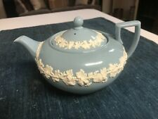 New ListingSuperb 4 Cup Wedgwood Blue Queensware Teapot Tea Pot in Excellent Condition!