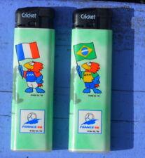 Lot de 2 briquets Cricket de 1994 (collector) neufs, France et Brésil