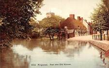 Ringwood Pool and Old Houses Maisons