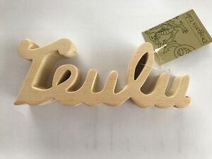 "Welsh light wood carved block  "" TEULU ""  Shelfsitter  Wales Cymru"