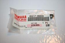 NOS YAMAHA snowmobile windshield nut vmax 500 600 750 800 VENTURE 95317-06600