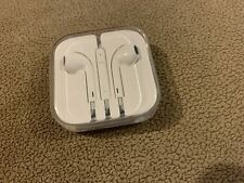 apple Iphone Headphones With Cord And 3.5 Headphone Jack Connector