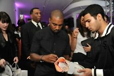 NIKE AIR YEEZY 1 SIZE 9.5 SIGNED AUTOGRAPH KANYE WEST