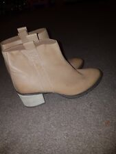 Women's Leather Size 6 Clark's Boots
