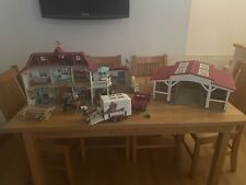 More details for schleich horse club house  ,stable, horse trailer with extra's as shown