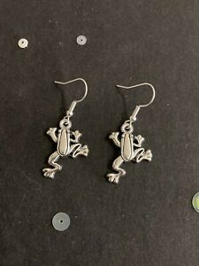 Silver Frog Earrings. Vintage Style Dangly Charm Earrings. Animal Jewellery