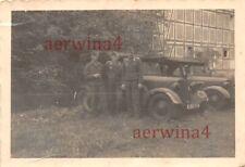 Luftwaffen Soldaten am Mercedes 170 V Kübelwagen