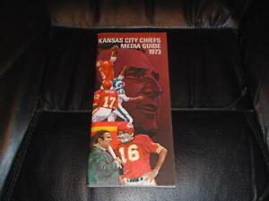 1973 KANSAS CITY CHIEFS NFL FOOTBALL MEDIA GUIDE  NEAR MINT