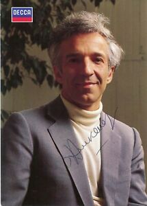 CONCUCTOR & PIANIST Vladimir Ashkenazy autograph, signed photo