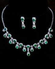 Eastate 18k White gold emerald and diamonds necklace and earrings set