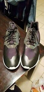 Adidas Men's size 7 TUBULAR RUNNING WORKOUT top shoes