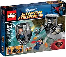 LEGO DC UNIVERSE SUPER HEROES - 76009 Superman: Black Zero Escape NEW IN BOX!