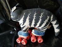 Vintage Kliban Cat on Roller Skates Stuffed Animal Figure Toy 1980 Applause