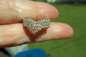 14k Gold 1 CTW Diamond Chevron Ring.. SIZE 5.5