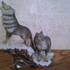 #38 - Wolf Pair on rocks figurine